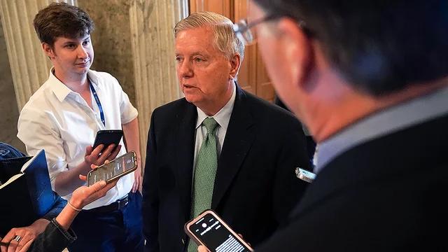 "Graham calls voting rights bill ""biggest power grab"" in history https://t.co/FGOc0DeIKQ https://t.co/8UKgj9MU2E"
