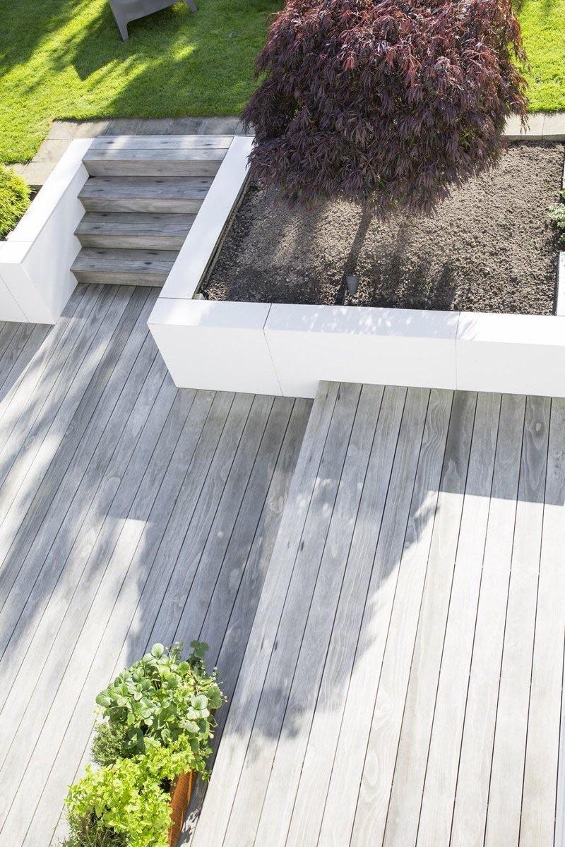 Unser #Holz kann als #Terrassenholz dreifach punkten: Es ist pflegeleicht, haltbar und barfuß angenehm zu begehen. Für den Bau einer #Holzterrasse habt ihr die Wahl zwischen Kebony Clear und Kebony Character  #terrassendielen #terrasse #holz #schreiner #tischler #kebony #galabau https://t.co/79JDa3rfCP