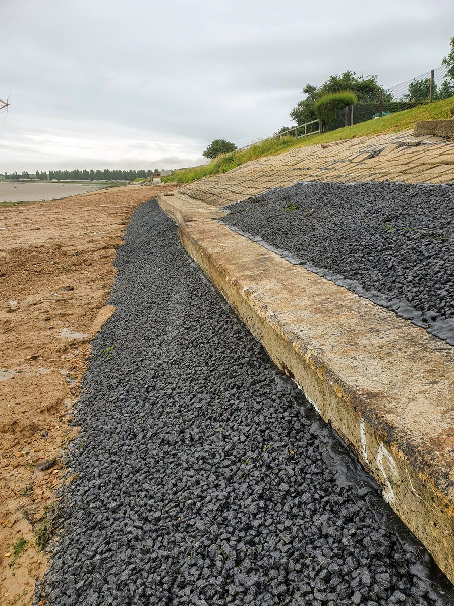 Recently completed some minor seawall repairs at St Lawrence Bay, Essex. https://t.co/M2LdD2XygF