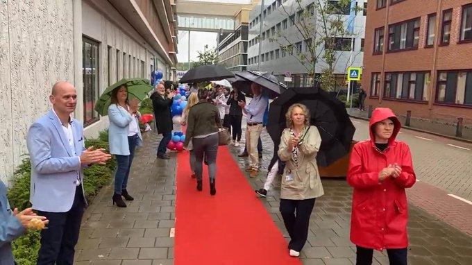 Rode loper voor zorgmedewerkers Reinier de Graaf https://t.co/ZzhnSNuqKO https://t.co/pR510sakvt