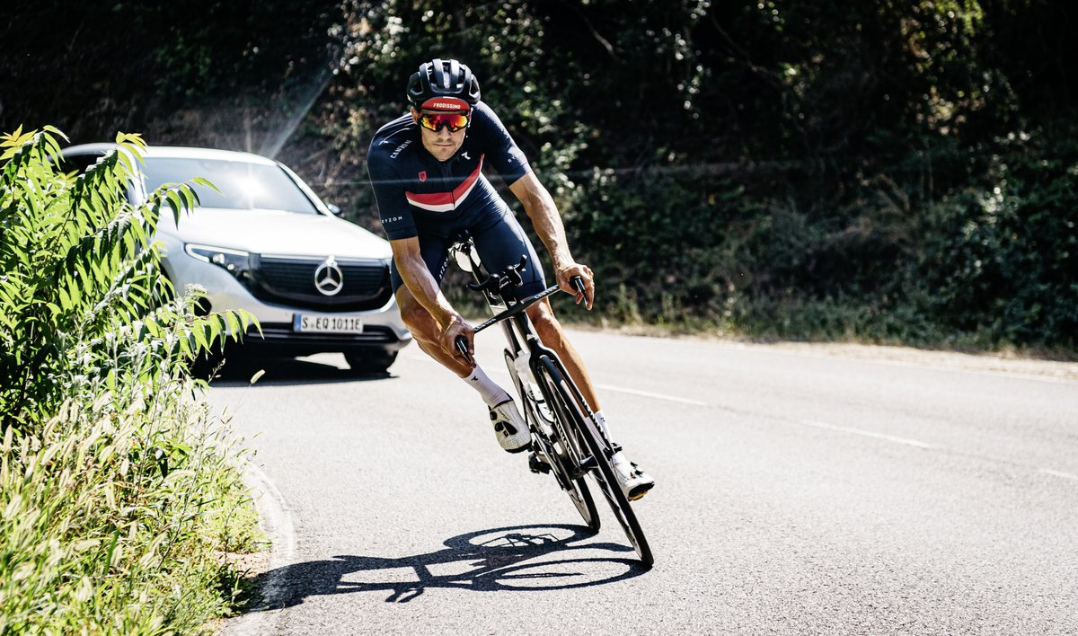 Ready for an epic battle? Triathlon world record holder @janfrodeno takes on top athlete Lionel Sanders on 18 July. #MercedesEQ supports 'TriBattle Royale' as mobility partner. Learn more @tri_battle #tribattle