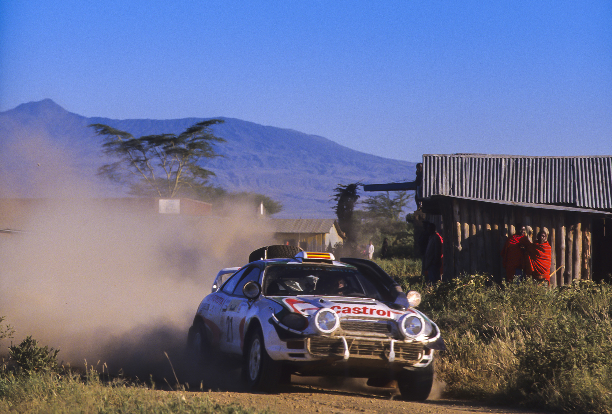 WRC: Safari Rally Kenya [23-27 Junio] - Página 2 E4eY4H7WEAIj-pA?format=jpg&name=large
