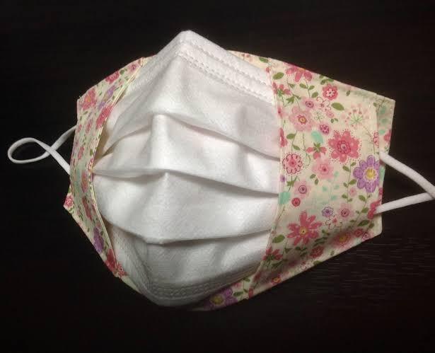 不織布マスクのドレスアップカバーを付けるとドラゴンボールのセルに見えてしまう!