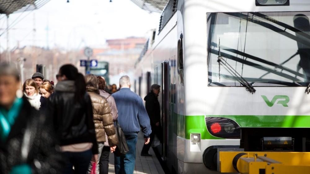 Vismaan kuuluva optimointikonsultointiyhtiö Weoptit on kehittänyt optimointiratkaisun parantamaan @VRuutiset lähiliikenteen kalustokiertojen suunnittelua. #VR #junaliikenne #optimointi https://t.co/XVry0IIIu6 https://t.co/N2ZF3L6dm0