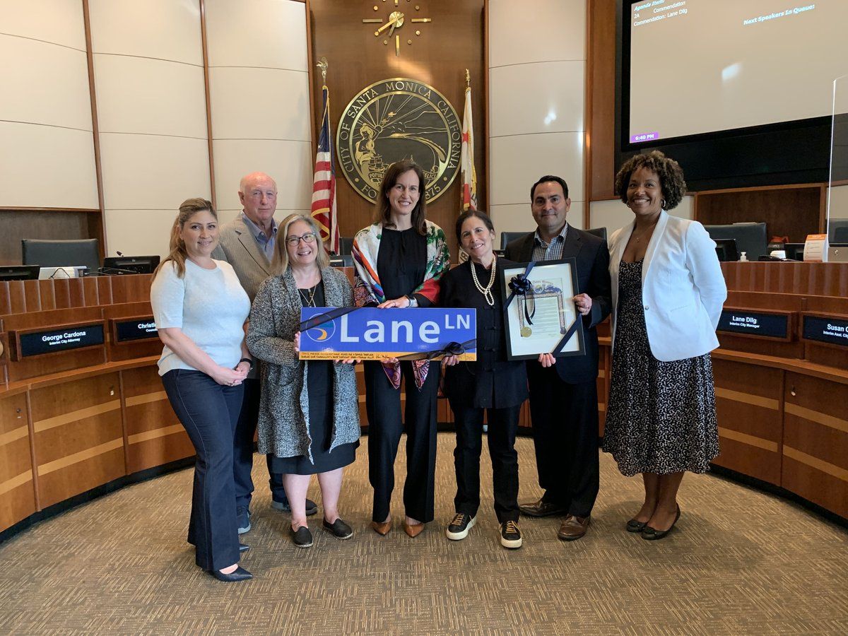 Tonight, #SMCityCouncil honored @SaMoManager Lane Dilg with a commendation for her service to #SantaMonica during an unprecedented year. @SaMoMayor https://t.co/0UWPAUcRy1 https://t.co/lBWYoK7qqo