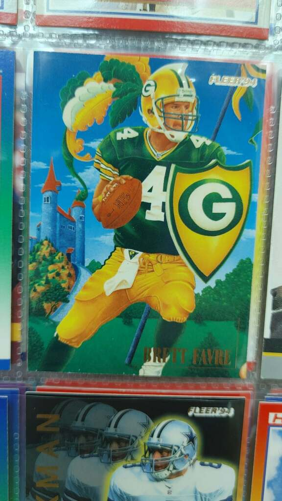 Cool old favre card  📸: Daddy-Aoli #TheHobby https://t.co/Gihj5aPtML