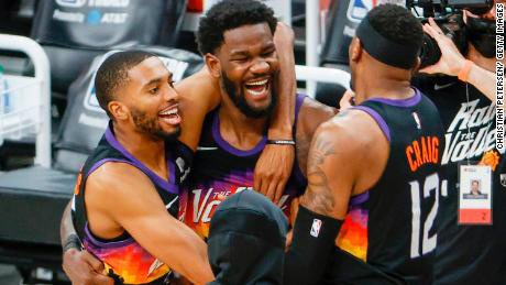 The #Suns ☀️ are having so much fun #NBA #WesternConferenceFinals #SunsvsClippers #ThatsGame https://t.co/eOwRYB6QB5