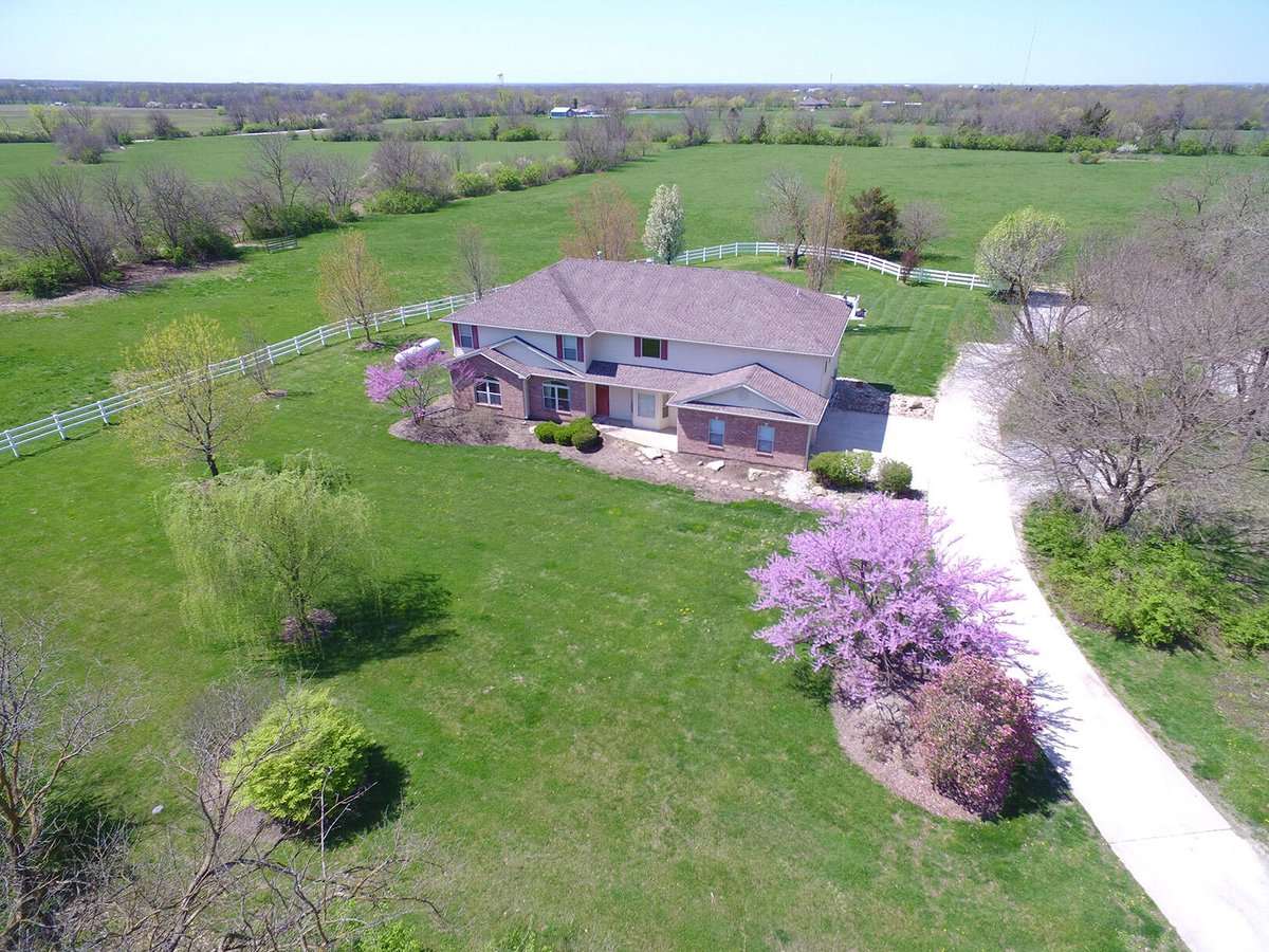 Sara Harper would love to show you the #listing at 5449 S Ben Williams Rd #Columbia #MO  #realestate https://t.co/p5fpYSvwOF https://t.co/hN15WizC22