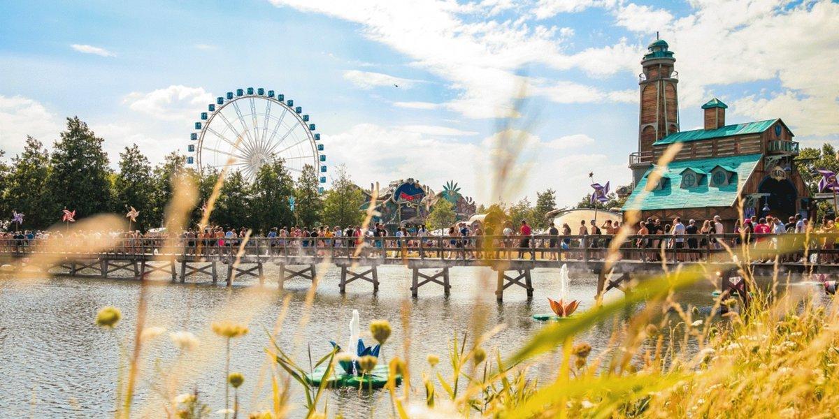 RT @BandwagonAsia: Tomorrowland officially cancels live festival for 2021 https://t.co/gW61rrVUwu https://t.co/dGTazAM54U