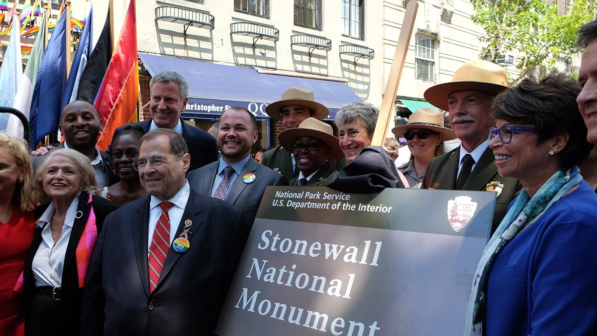Today, we celebrate our friends at @StonewallNps! Five years ago today, Stonewall National Monument was officially designated; it is the first NPS site dedicated to LGBT history! Visit https://t.co/mz4snwp65s to learn more! #FindYourPark #PrideMonth #Pride #Stonewall https://t.co/YOotVoTjaq