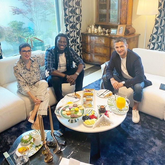 بافيتيمبي جوميز يجتمع مع مدربه السابق
