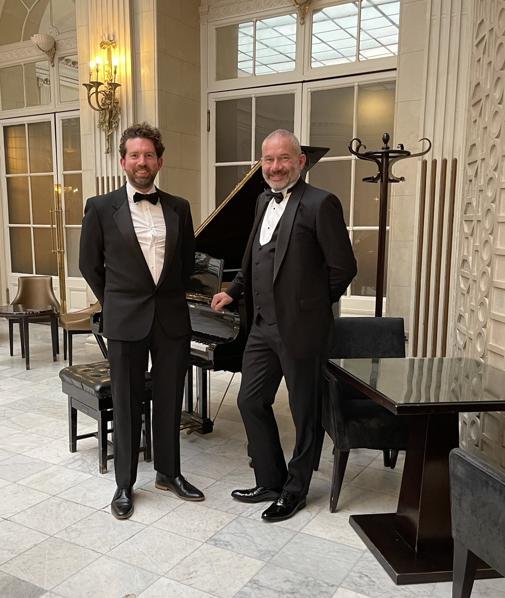 At the Waldorf Hilton London with Ben Roberts. @virtualworlds3D are finalists in two categories at the Retail Systems Awards. 1) Best Use of Augmented Reality or Virtual Reality. 2) In-store Technology of the Year. @RetailSAwards