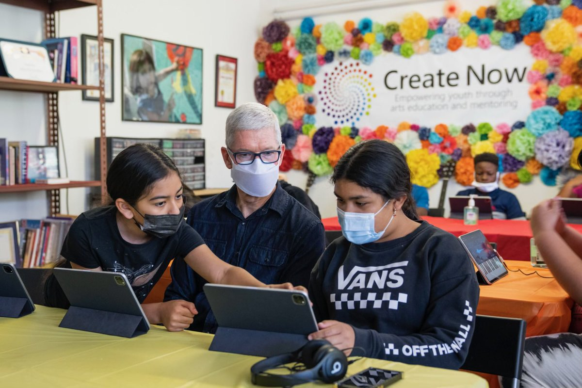 We're proud to work with groups like @CreateNow, who are bringing amazing opportunities to kids who don't get them often enough. From music to painting and graphic design, loved seeing what these gifted and passionate young artists are creating! https://t.co/NZJBE2CnAN