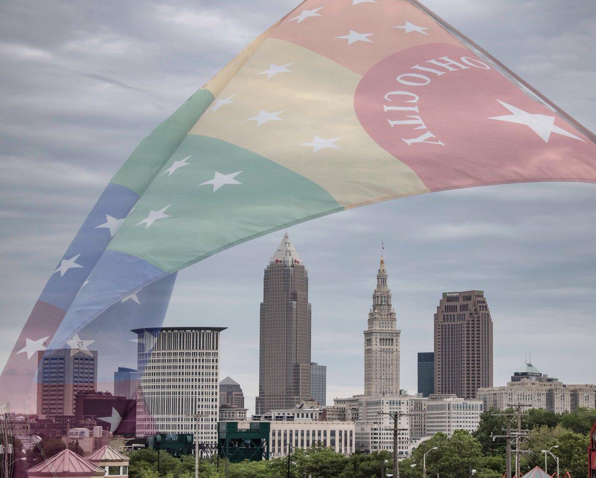 Ohio City, Cleveland, U . S . A .  #CLEinPhotos #thisisCLE #Cleveland #Ohio #theLand #inspiredbycleveland #ohiocity #cityscape #cityphotography #clouds #cloudscape #urbanscape #tbt #colorislife #pride #prideinthecle #clevelandpride #pridemonth #teamCanon #swdfphotography https://t.co/mNtZgQ8QJq