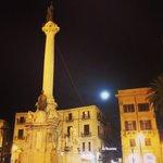 Image for the Tweet beginning: la luna sulla città... #palermo #luna