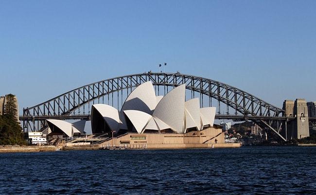 Covid success stories Australia, Israel impose new curbs Photo
