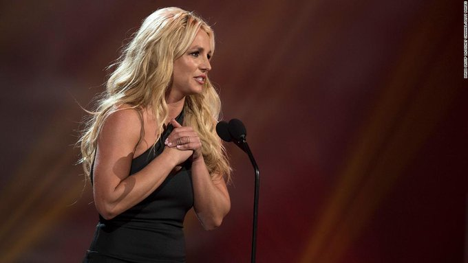 Britney Spears apologizes to fans for pretending to be ok in her conservatorship Photo