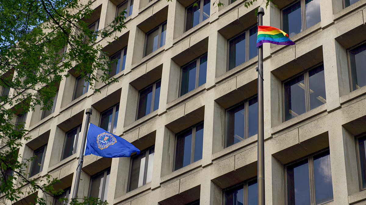 The FBI raised the PRIDE flag at our headquarters in support of our LGBTQ colleagues. We thank them for their contributions to the FBI and the country. #PrideMonth  https://t.co/54YHoe7JBZ 01
