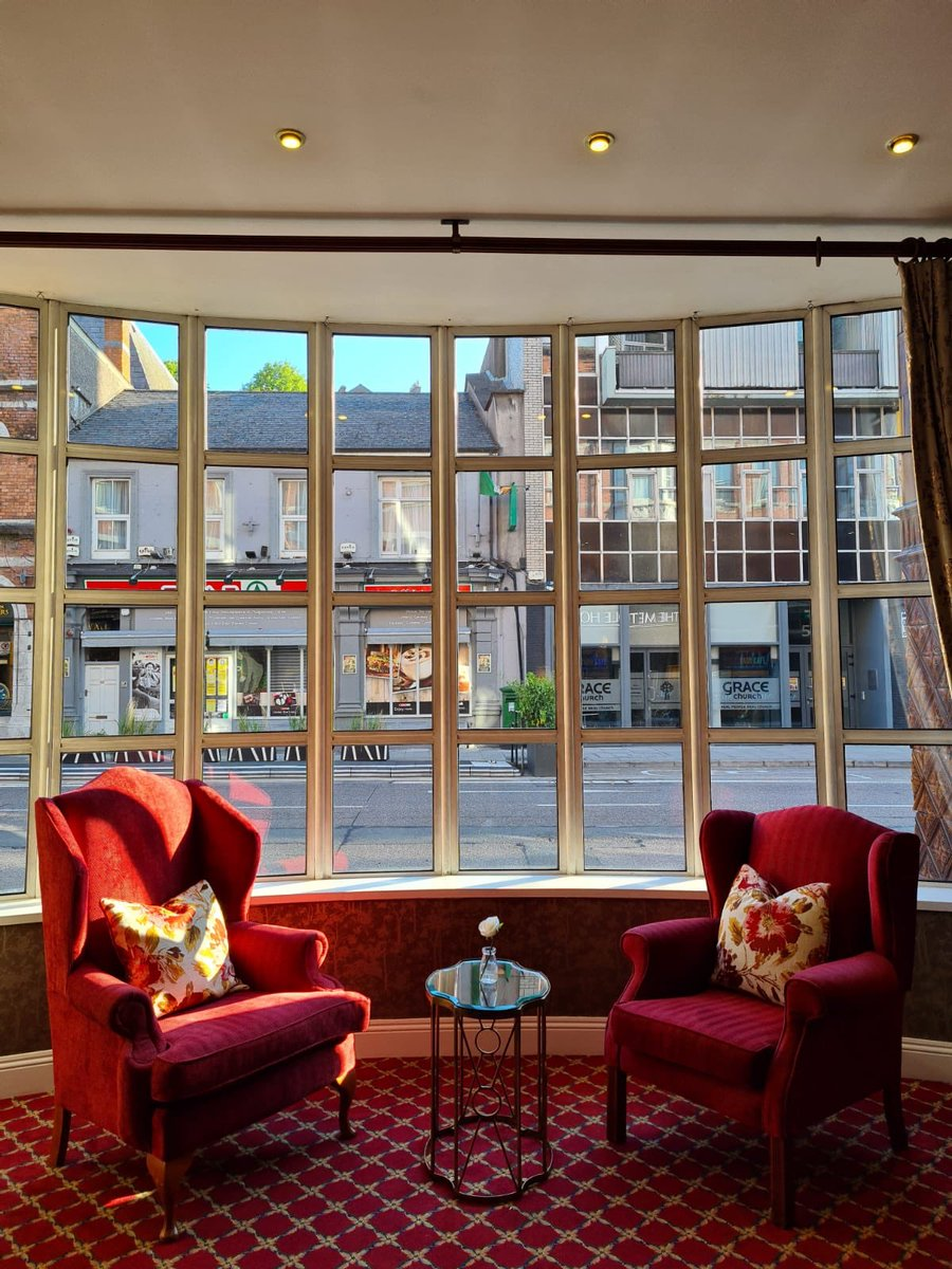 Relax and watch the world go by in our beautiful lobby when you book a well deserved night away and spend time @The_VQ_Cork #crossthebridge #nightaway #treat #relax https://t.co/kITKvQ9WLh