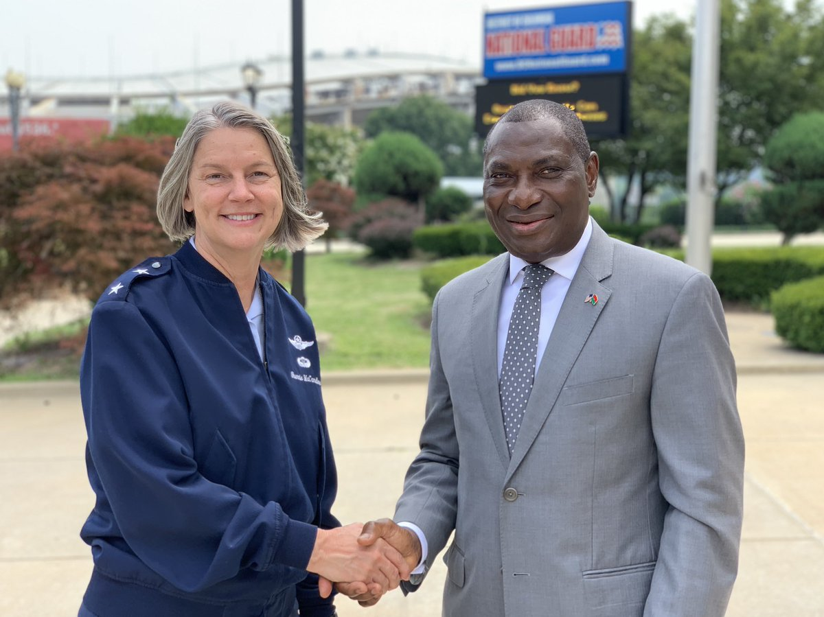 Our partnership with Burkina Faso supports regional stability and global security, which is why #DCNG interim Commanding General Maj. Gen. McCandless met with Burkina Faso  Ambassador to the US, Seydou Kabore. #StatePartnershipProgram https://t.co/rFzHMetdH6 https://t.co/OMk3KfV7KD