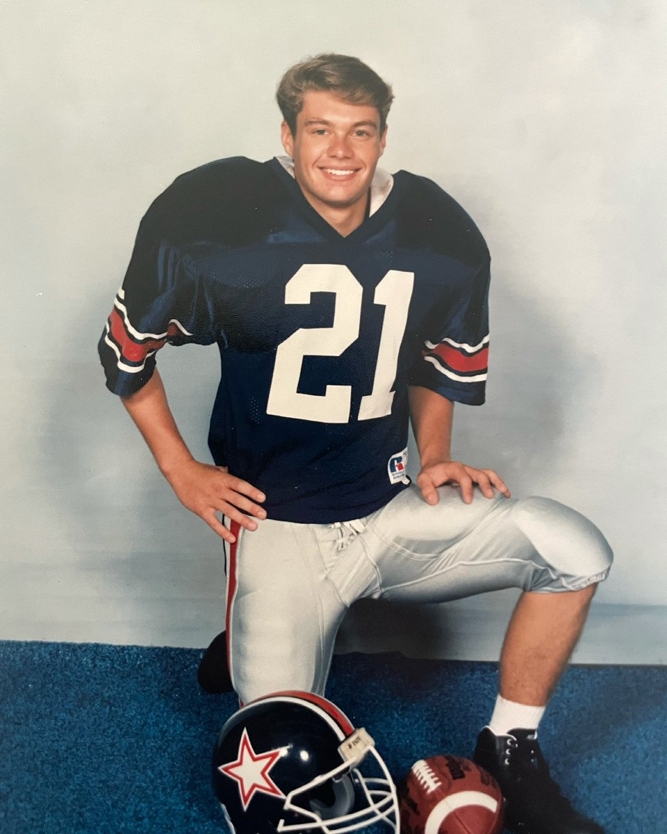 Do these shoulder pads make me look taller? #fbf