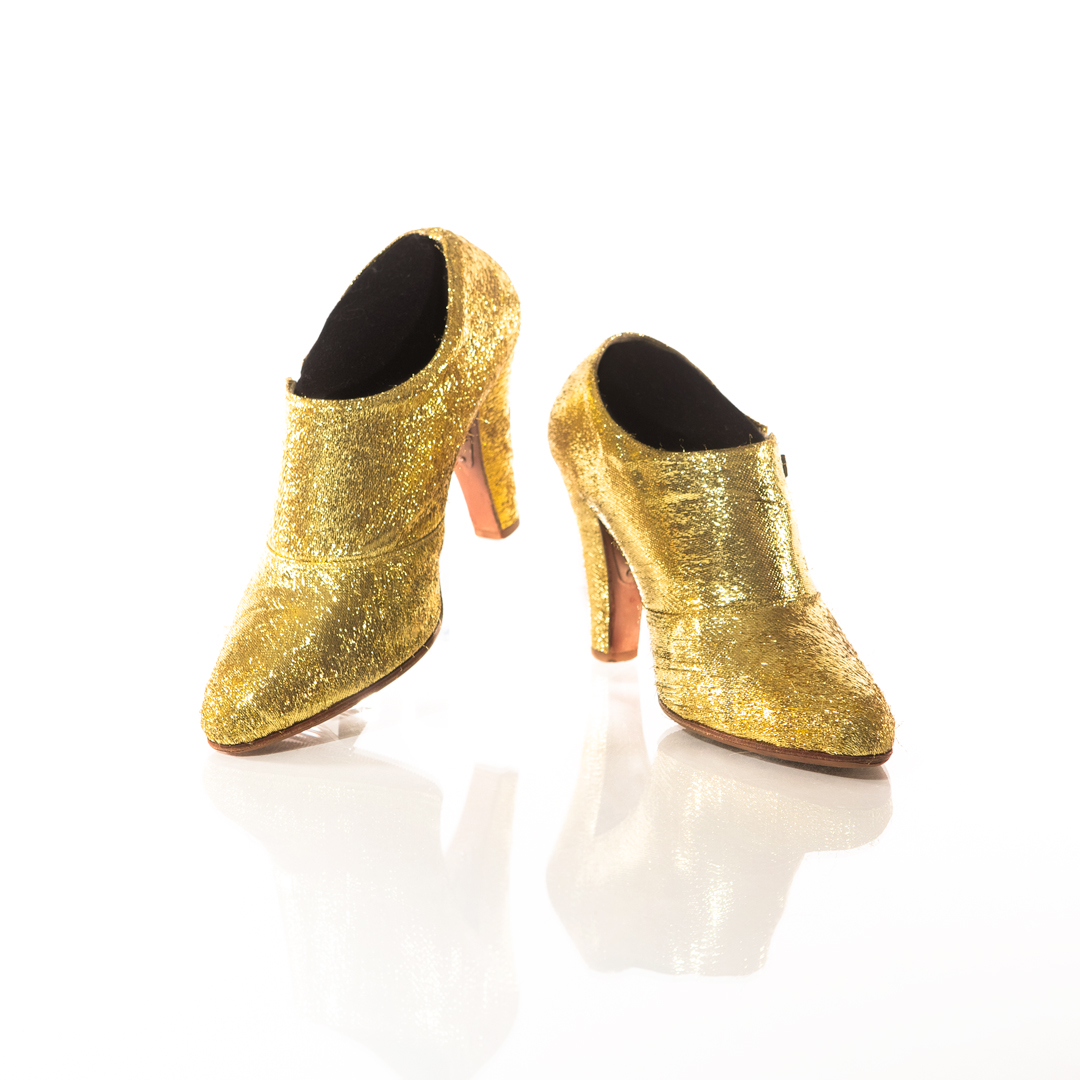 """Prince wore these sequined gold shoes during his Welcome 2 America Tour in 2010-2011. Preview more of the shoes from the """"Beautiful Collection"""" exhibit at @PaisleyPark, opening today, via @RollingStone.  https://t.co/2iCDIfGvVj https://t.co/Es0PwqYa28"""