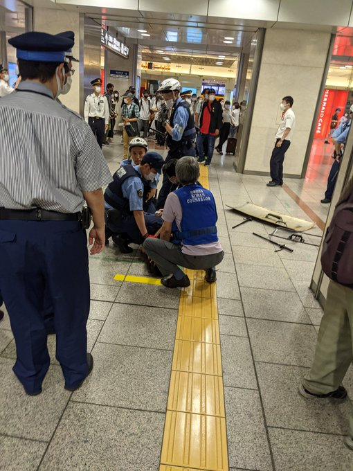 JR名古屋駅で刃物を持った男が殺人未遂 駆け付けた警察官が取り押さえる