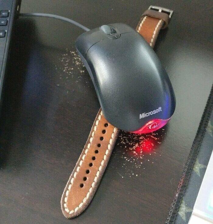 これでサボっても大丈夫?!アナログ時計の上にマウスを置いたらスリープモードにならない!?