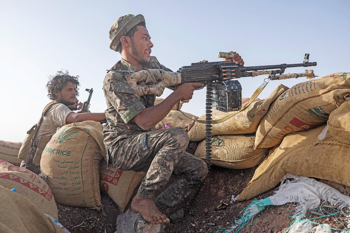Top Houthi commander killed in new Yemen battle