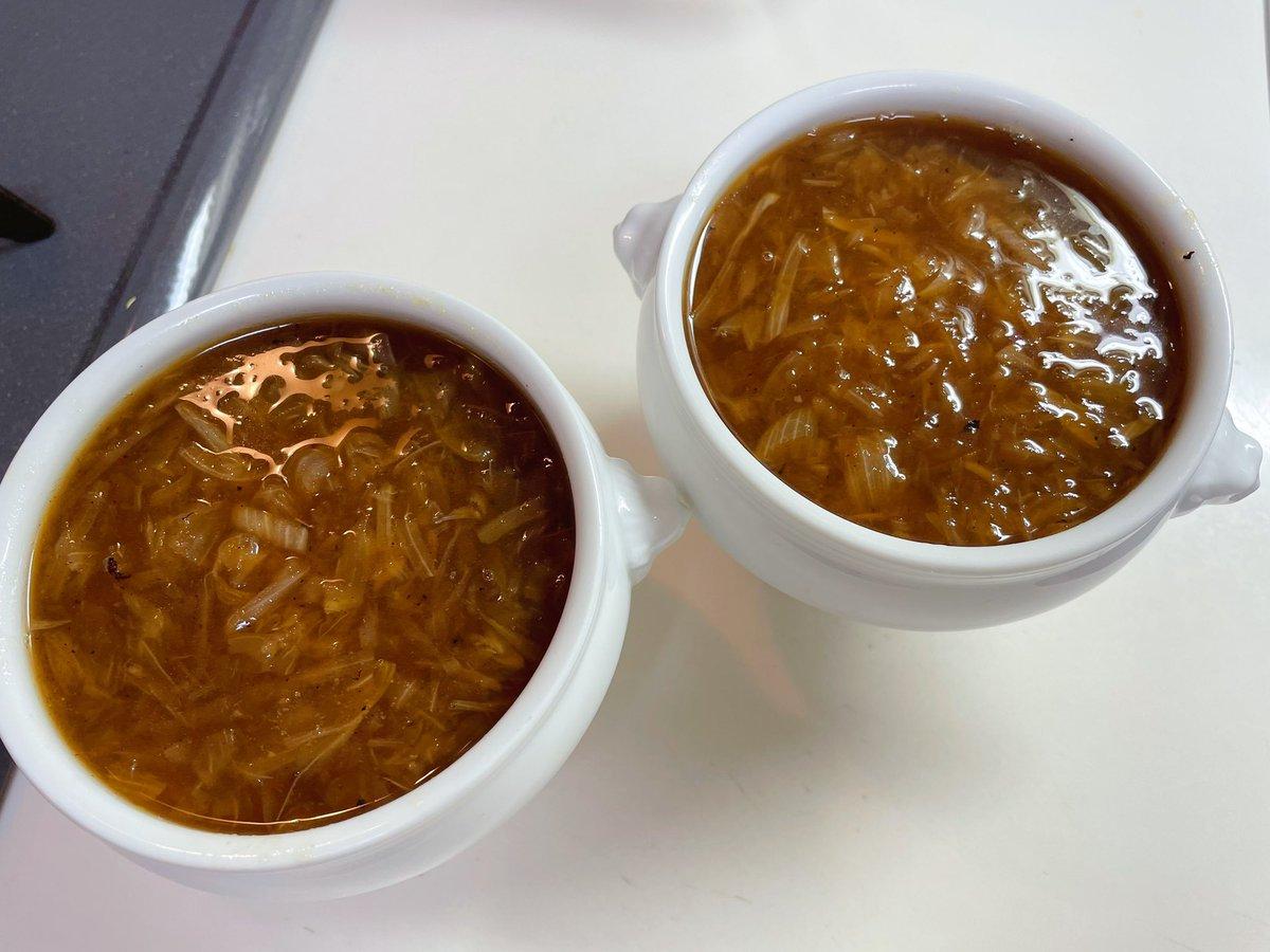 オニオンスープが飲みたくなったらコレ!玉葱がたっぷりで大満足レシピ!
