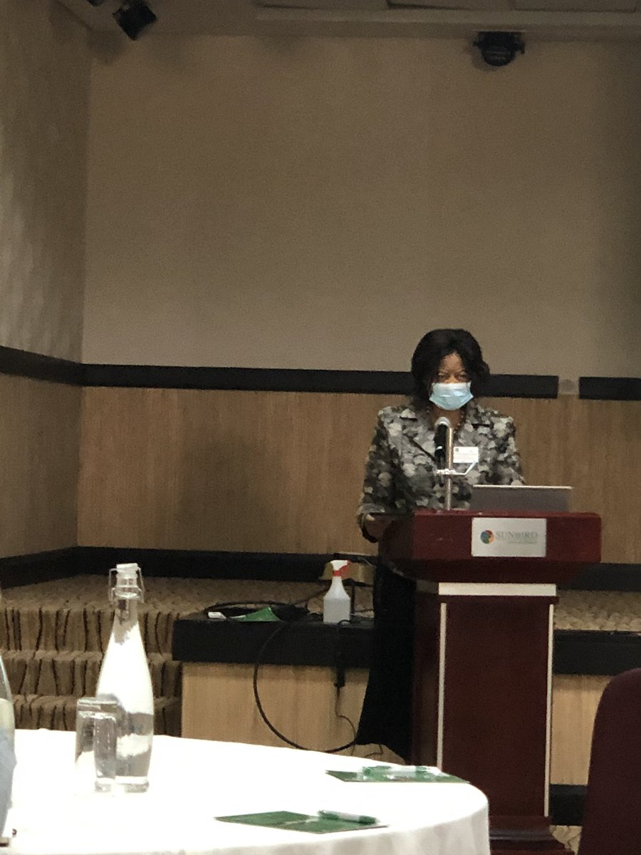 First Malawi ultrasound consortium meeting. Dr Kachale (head of reproductive health at the MoH) setting the goal that ultrasound should be available to all women in Malawi as part of their antenatal care. @DIPLOMATIC20 @Jhpiego @KUHeS_mw @mustmalawi @WRAglobal @health_malawi https://t.co/KhrHfw3Tgg