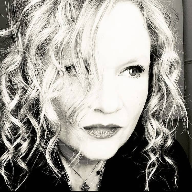 Another AMAZING artist has reached the $1,000 mark in the #MusicBeatsCancer Challenge! Congratulations @maryloeffelbein for your commitment to raising funds for cancer research!  @hot995 #NationalCancerSurvivorsDay #SurvivorsDay https://t.co/PS5yqXeBEi