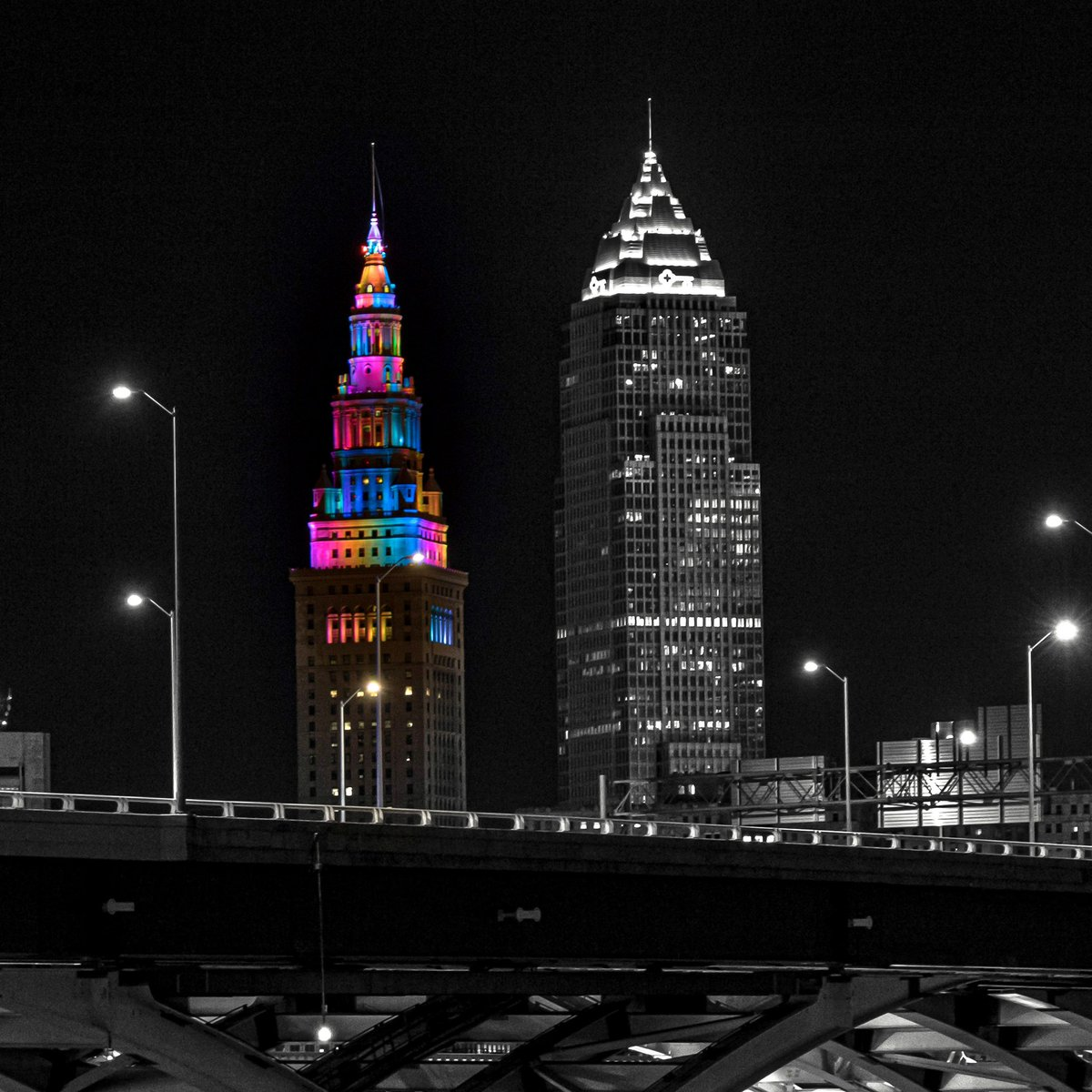 Color of CLE  🎨 #CLEinPhotos #thisisCLE #Cleveland #Ohio #theLand #inspiredbycleveland #cityscape #cityphotography #color #colorislife #selectivecolor #bnw #nightphotography #nightscape #citylights #pride #clevelandpride #teamCanon #swdfphotography  https://t.co/akvLcA5ykG…swd https://t.co/UMUDvJINJU