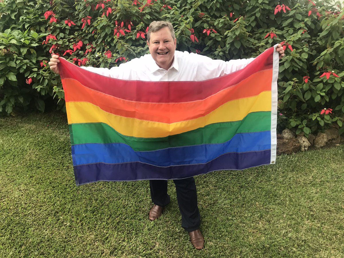 As #PrideMonth2021 🏳️🌈wraps up, the United States will continue to promote and protect the human rights of LGBTQI+ persons all year round.   Alors q #PrideMonth se termine, l 🇺🇸 continueront de promouvoir & de protéger les droits humains d personnes LGBTQI+ tout au long de l'année https://t.co/AmCJJBUBTF https://t.co/fPeaFZwU5y