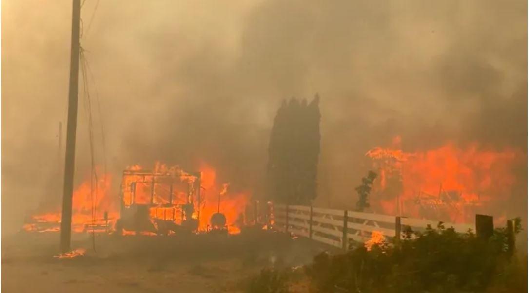 Un village brûlé, à seulement +1.2°C de réchauffement