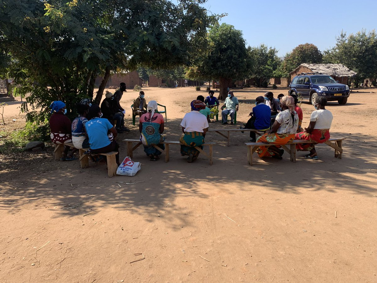 Community feedback sessions from the @FeverStudies social science research in Chikwawa Malawi. The communities have been so welcoming and great to get some really insightful questions on work https://t.co/f0gay3Pi4u