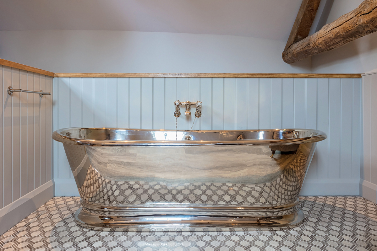 We are always pleased to see images from our customers of their baths in place. Thank you to Arcadia Home & Living for supplying these images of the Zille Nickel Interior and Exterior Bath that has been installed in one of the rooms at The Ostrich Inn, Norfolk.
