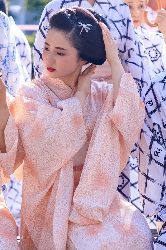 最近した京都上七軒の人気芸妓が?他とは一線を画す美しさ!