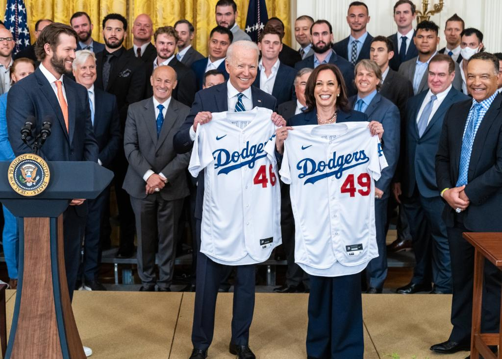 When do @VP and I start, @Dodgers?  Always great to host World Series champs at the White House. https://t.co/YIZ5roS5ca