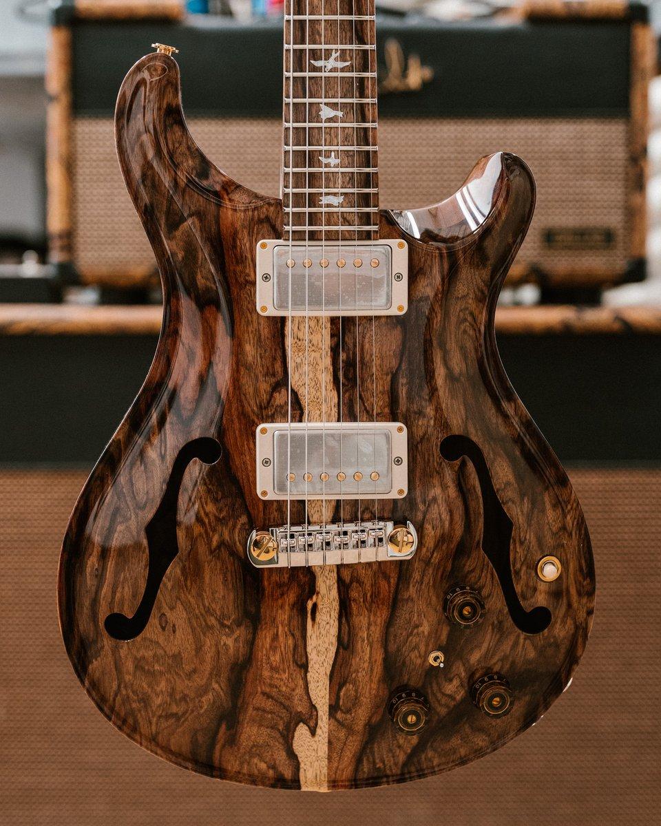 #Guitar 🎸 Awesome of the Day ⭐ ➡️ #PrivateStockFriday Wood Guitar via @prsguitars #SamaGuitars #SamaMusic 🎶 ➡️ View More #SamaCollection 👉 https://t.co/Kugls40kPu