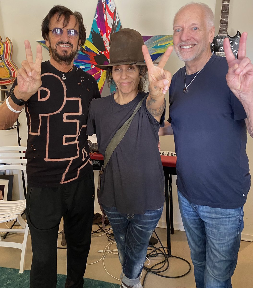 """Peter Frampton on Twitter: """"So great to be able to fly and see friends  again. Lovely afternoon listening to Ringo's great upcoming ep. Bonus: Linda  Perry came by. Always great to see #"""