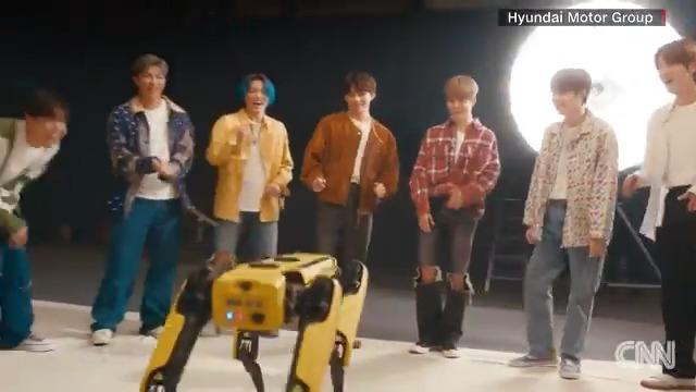 Watch Spot, the Boston Dynamics robot dog, meet BTS and dance to the K-pop group's music https://t.co/rO5A8dxexM https://t.co/QMAVSDtDVF