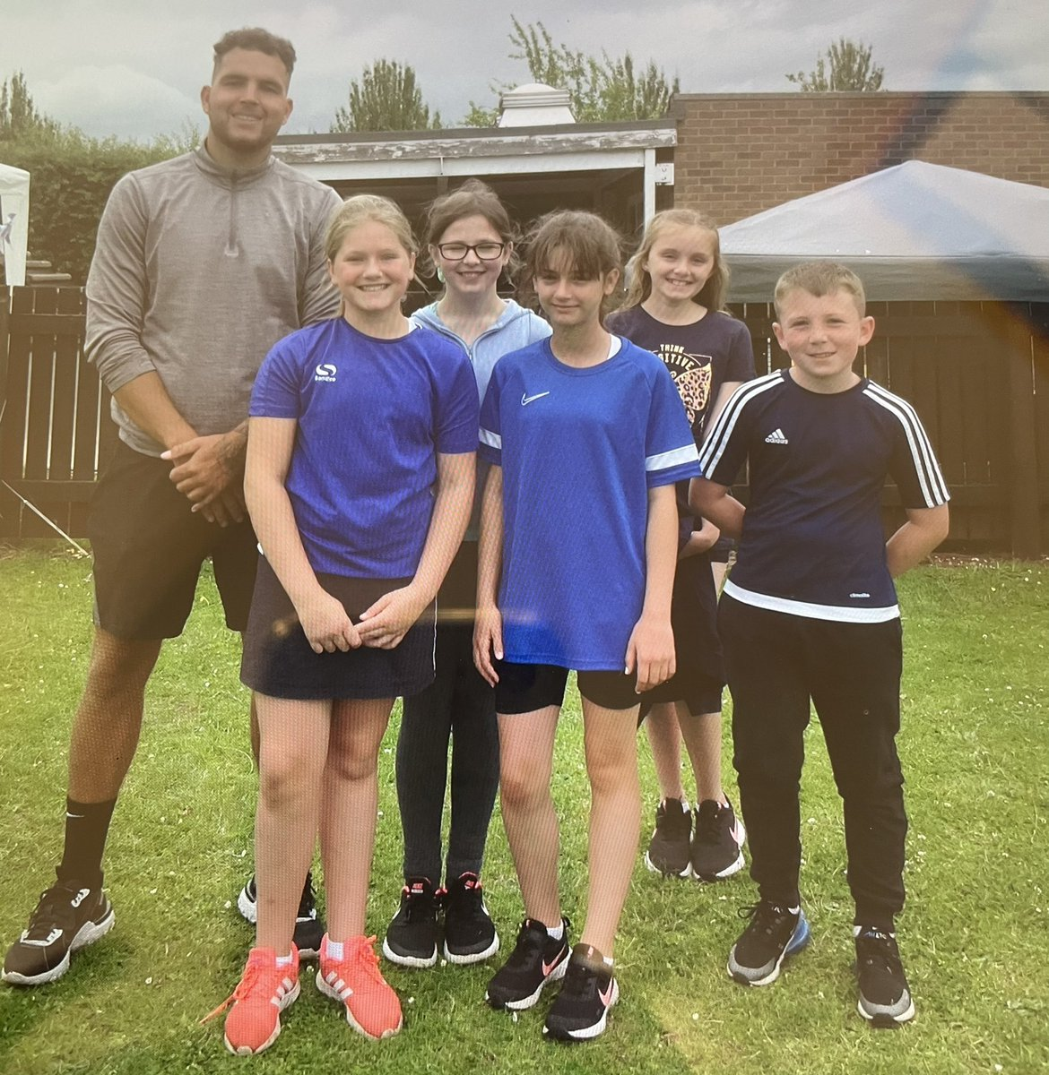 RT @StCharlesMeasha: Well done to the yellow team who won their hockey tournament and the blue team who were the kwik cricket winners in @Class5StCharles bubble tournament 👏🏻 👏🏻 🥇