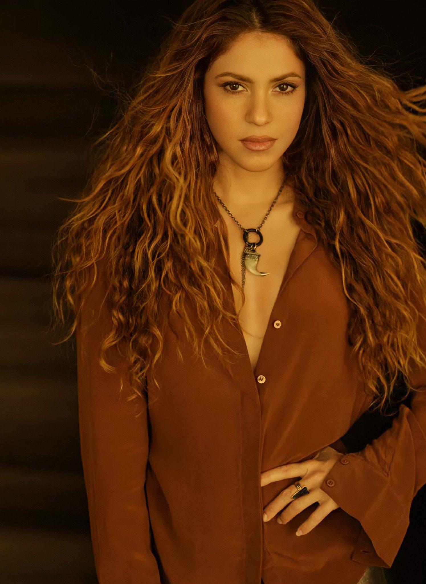 "Shakira >> single ""Don't Wait Up"" - Página 9 E5kVYyVXEAUHy6O?format=jpg&name=large"