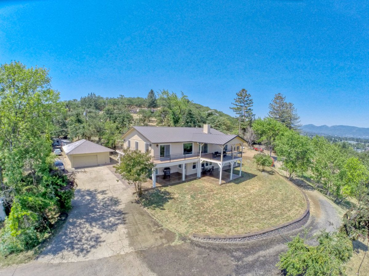 Watch our video tour of this spacious hillside property in Medford Oregon. https://t.co/eysXsCoRKy