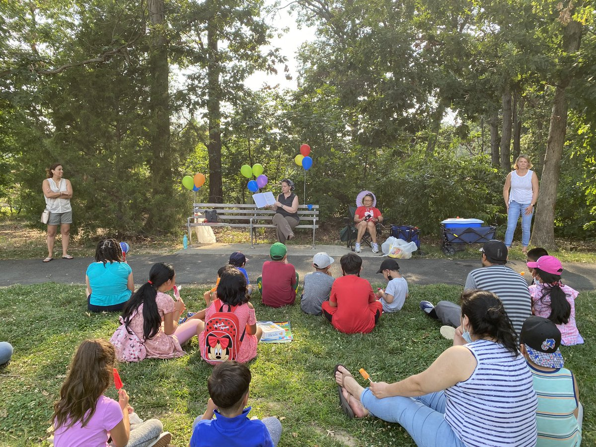 Carlin Springs families are enjoying exciting stories at our weekly Popsicles in the Park program! Join us for the fun at Tyrol Hill Park every Wednesday in July from 5-6pm to enjoy listening to stories and bringing free books home with you. <a target='_blank' href='https://t.co/6t24KDF4sc'>https://t.co/6t24KDF4sc</a>