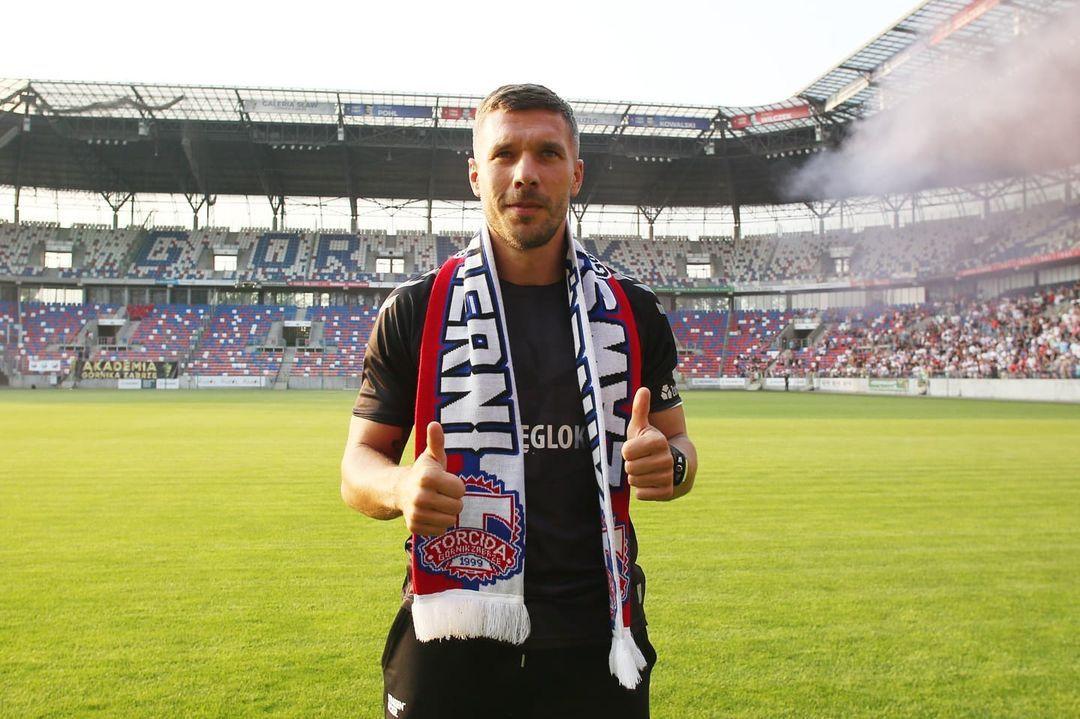 """TRT Spor's tweet - """"Gornik Zabrze'nin yeni 🔟numarası: Lukas Podolski 📸 """" - Trendsmap"""