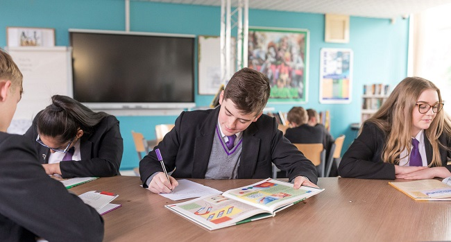 ⭐️ Thinking about #Year7 admissions for 2022?! Our TAL open evening is Wednesday 29 September from 5.00pm – 7.00pm! 📌 Information on how to save your place will be available soon ⭐️ #Admissions #SaveTheDate #Leeds