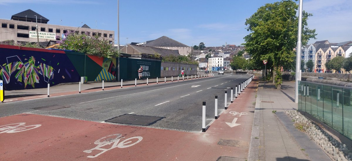 Kyrl's Quay cycle lanes have now been upgraded in both directions https://t.co/kzrNVkiaHl
