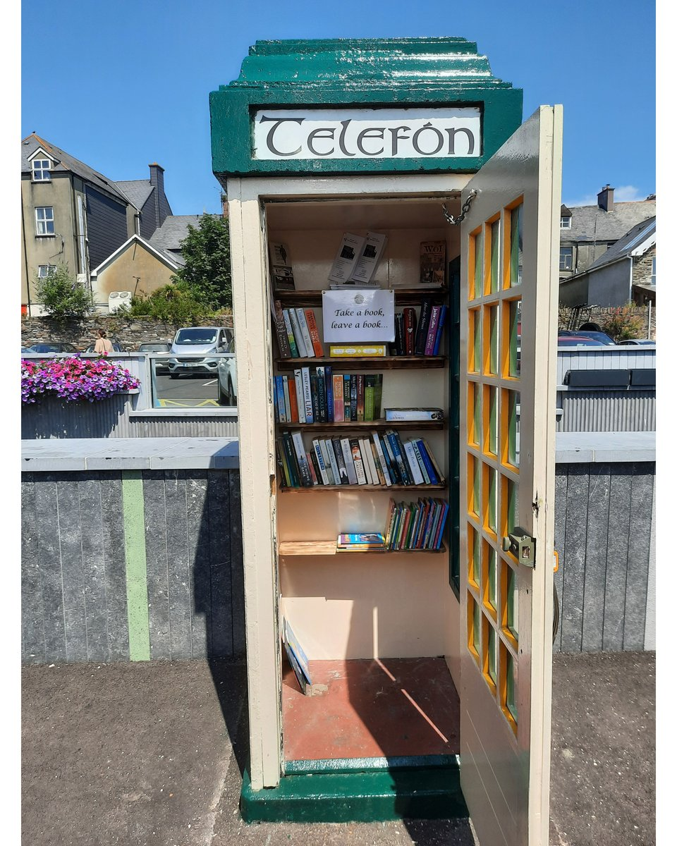 Take A Book, Leave a Book 💁📖🙋  A repurposed phone box has been added to the parklet in Kent Street, Clonakilty! Sit under the street canopy, grab a coffee & enjoy reading in the sun.  Be sure to use the sanitisation facilities provided and follow the guidelines posted on site. https://t.co/EcNRYzg8dj
